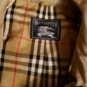 BURBERRY Jackets & Coats - BURBERRY trench coat size  46 R. L/xl
